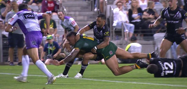 Frizell crashes over for Kangaroos