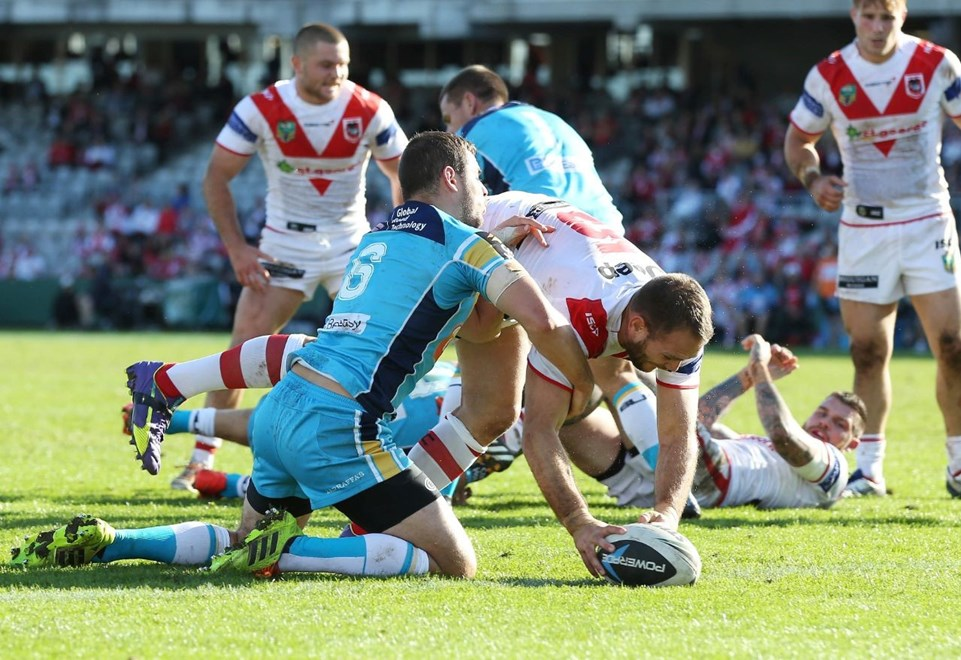 Digital Image by Robb Cox ©nrlphotos.com: Jason Nightingale gets a try :NRLRugby League - Round 24, St George Illawarra Dragons V Gold Coast Titans at WIN Jubilee Stadium, Sunday August 24th 2014.